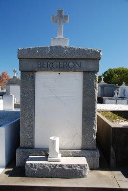 Elda L <i>Luke</i> Bergeron