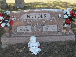 Anetta Sue <i>Renfrow</i> Nichols