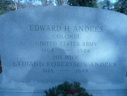 Lydiann <i>Robertson</i> Anders