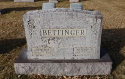 Minnie M. <i>Busch</i> Bettinger