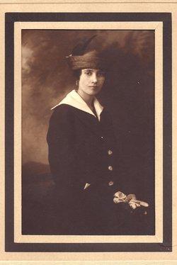 Mrs Annie Laurie <i>Cox</i> Tarlton