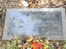 Mary E Achterberg