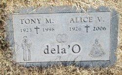 Alice <i>Villa</i> De La'O