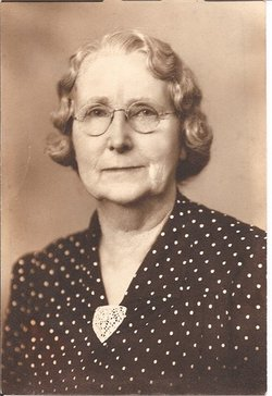 Lillian M. Lilly <i>Glidden</i> Lemire