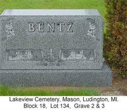Beatrice Ann <i>Hulet</i> Bentz