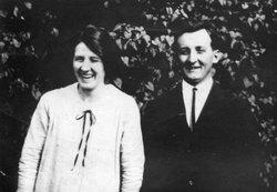 Gladys Juliette <i>Smith</i> Beegle