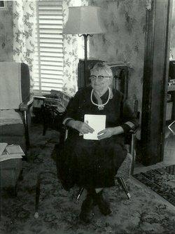 Ottilie L <i>Hintz</i> Reimann