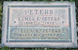 Della <i>Krahn</i> Peters