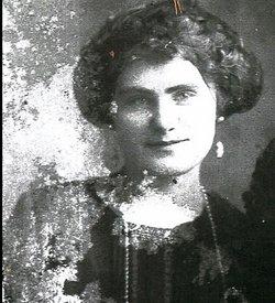 Nellie M <i>VanVacter</i> Fisher
