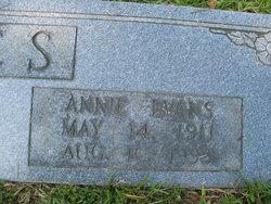 Annie <i>Evans</i> Jones