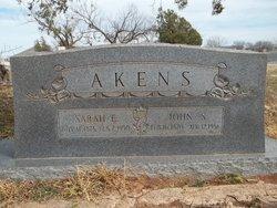 Sarah E Akens