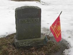 Everett R Bigwood