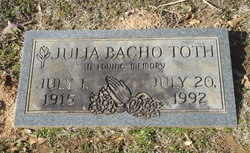 Julia <i>Bacho</i> Toth