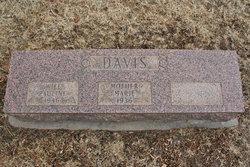 Pauline M <i>Getz</i> Davis