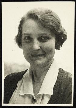 Grace Thurston <i>Arnold</i> Albee