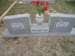 Lydia R Beckmeyer