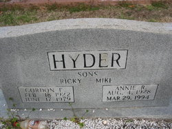 Annie Sue <i>Russell</i> Hyder