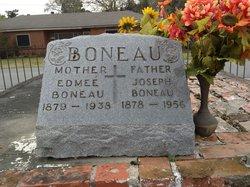 Edmee <i>Richard</i> Boneau