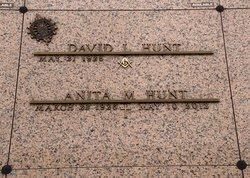 Anita Mae <i>Thompson</i> Hunt