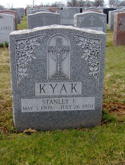 Stanley F Kyak