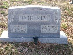 Alta Mae <i>Frields</i> Roberts