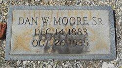 Dan Webster Moore, Sr