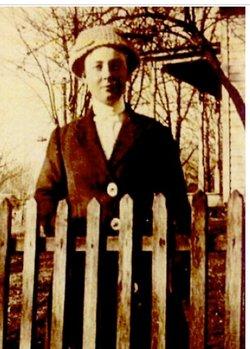 Edith Alzina <i>Archer</i> Quine