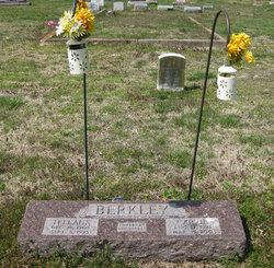 Carrie <i>Fisher</i> Berkley