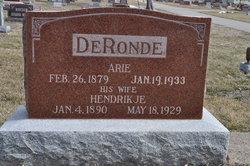 Hendrikje (Henrietta) Annie <i>Minenga</i> De Ronde