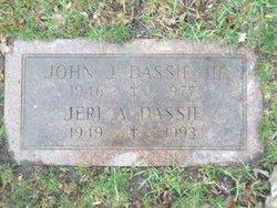 Geraldine A Jeri <i>Roberts</i> Dassie