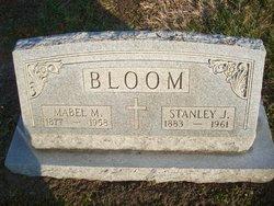 Stanley Joseph <i>Kwiatkowski</i> Bloom