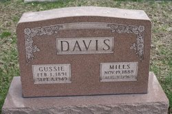 Mills Davis