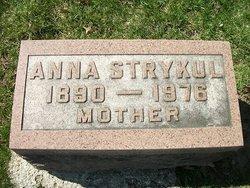 Anna Hanyzewski/Dubicki <i>Bancer</i> Strykul