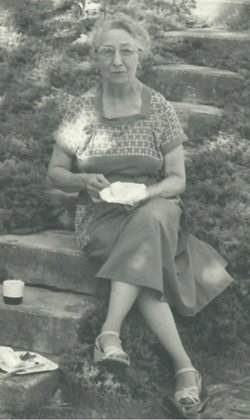 Carolyn Agnes <i>Vohs</i> Isaacson