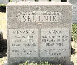 Menasha Skulnik