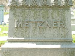 Caroline Metzner