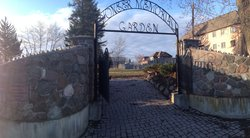 Pioneer Memorial Gardens Cemetery