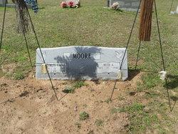 C T T-Bone Moore