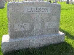 Julia Larson
