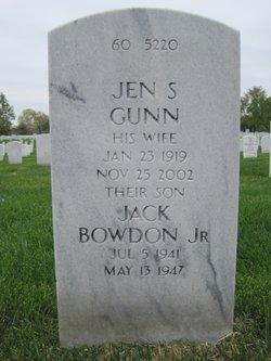 Jen <i>Swayze</i> Gunn