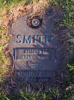 Mildred E <i>Hoss</i> Smith