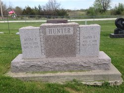 Laris L. Hunter