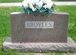Goldie <i>Gray</i> Broyles