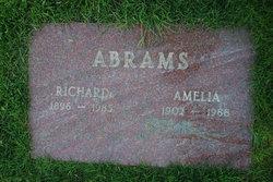 Amelia Abrams