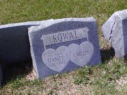 Carolyn V. <i>Moat</i> Kowal