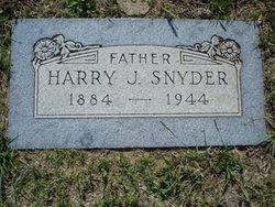 Harry J Snyder