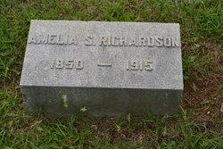 Amelia S Richardson
