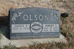 Robert Lee Olson