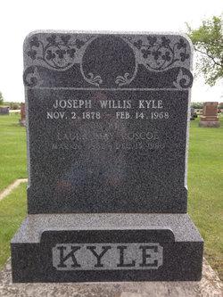Laura May <i>Roscoe</i> Kyle