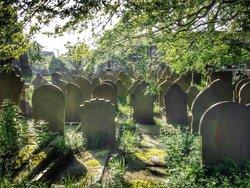 St Thomas A. Beckett Churchyard